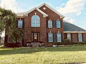 3801 Stonyrun Cir Louisville, KY 40220