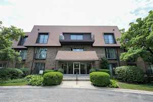 4000 Dundee Rd #305 Northbrook, IL 60062