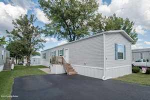 8 Pine St La Grange, KY 40031