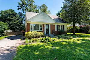 2517 Clearbrook Dr Louisville, KY 40220