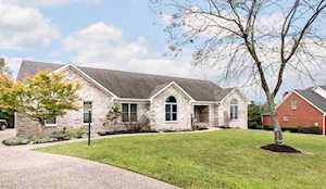 14 Oak Tree Ln Louisville, KY 40245