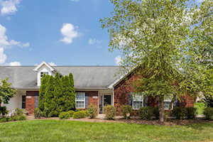 6605 Woods Mill Dr Louisville, KY 40272