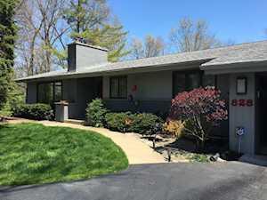 828 Northwoods Ct Deerfield, IL 60015