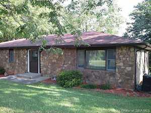 7520 Rolling Hills Lane Lanesville, IN 47136