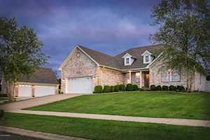 48 Oak Leaf Ct Taylorsville, KY 40071