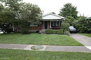 6710 Cape Ct Louisville, KY 40219
