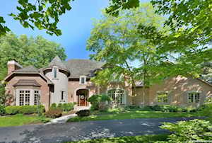 330 Belle Foret Dr Lake Bluff, IL 60044