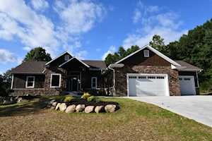 13747 Denali Ct Middlebury, IN 46540