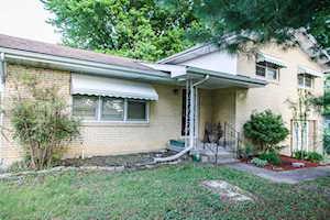216 Dennis Dr Shepherdsville, KY 40165