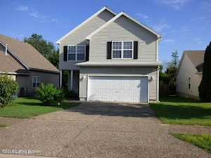 6008 Woodhaven Place Cir Louisville, KY 40228