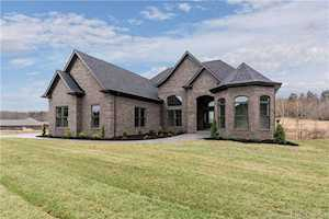 5041 Cooks Creek Lane Sellersburg, IN 47172