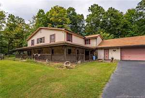 3338 E Riley Road Floyds Knobs, IN 47119