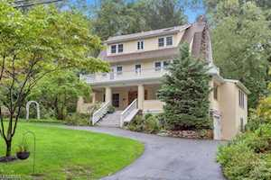 145 Morris Ave Mountain Lakes Boro, NJ 07046