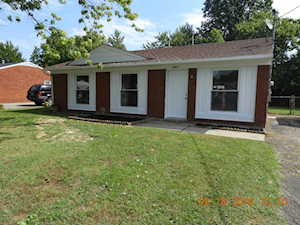 5611 Reflection Dr Louisville, KY 40218