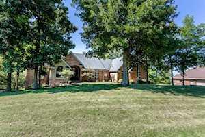 5705 Spring Bluff Dr Crestwood, KY 40014