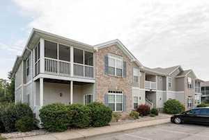 8301 Savannah Springs Ct Louisville, KY 40219
