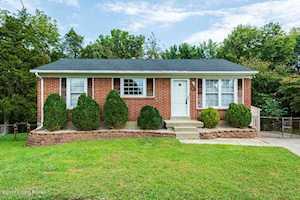 9201 Fawnridge Pl Louisville, KY 40229