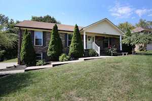 1804 Oakcrest Ct Louisville, KY 40214