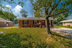 5208 Windy Willow Dr Louisville, KY 40241