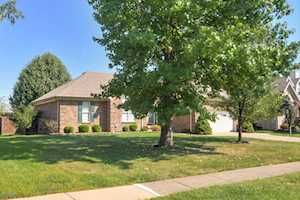 412 Spring House Ln Louisville, KY 40229