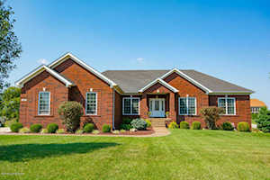 16 Jennifers Point Fisherville, KY 40023