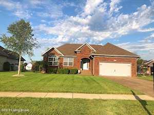 125 Magnolia Dr Shepherdsville, KY 40165