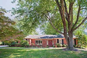 8806 Chadwick Ct Louisville, KY 40222