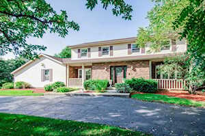 15 Sequoia Rd Hawthorn Woods, IL 60047