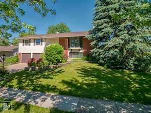 3690 Lexington Dr Hoffman Estates, IL 60192