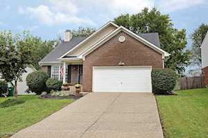 4635 Oak Pointe Dr Louisville, KY 40245