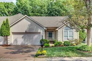 513 Village Lake Dr Louisville, KY 40245