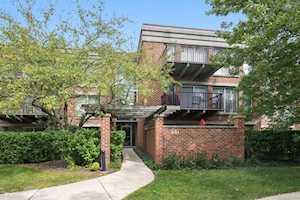 441 Kelburn Rd #213 Deerfield, IL 60015