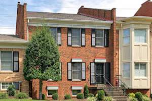 5542 Tecumseh Cir Louisville, KY 40207