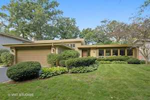 2896 Twin Oaks Dr Highland Park, IL 60035