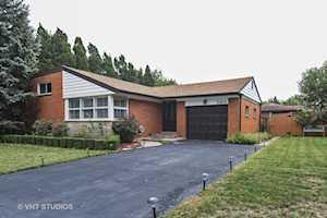 360 E Huntington Ln Elmhurst, IL 60126