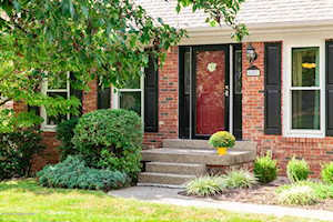 8807 Raintree Dr Louisville, KY 40220