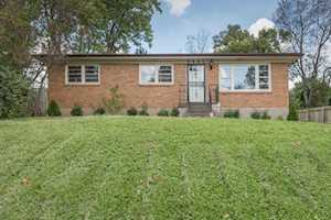 7801 Mary Sue Dr Louisville, KY 40291