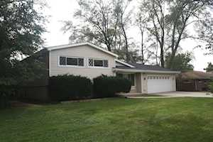 1643 Janet St Downers Grove, IL 60515