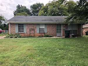3307 Mcadams Ct Jeffersontown, KY 40299