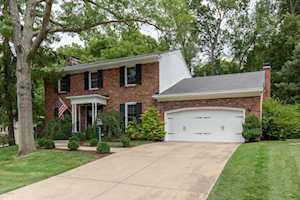 421 Trinity Hills Ln Louisville, KY 40207