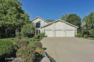 2761 Acacia Terrace Buffalo Grove, IL 60089