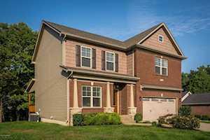 6704 Brook Terrace Dr Louisville, KY 40228