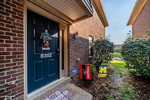 8352 Grand Trevi Dr Louisville, KY 40228