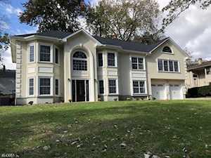 205 Centerton Dr Parsippany-Troy Hills Twp., NJ 07054