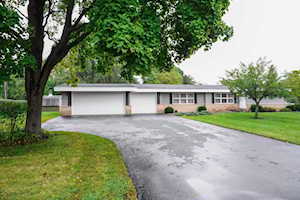 1632 Oakwood Rd Northbrook, IL 60062