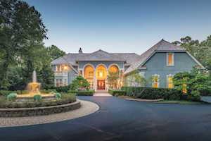 678 Plum Tree Road Barrington Hills, IL 60010