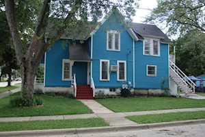 238 Harvey St Elgin, IL 60123