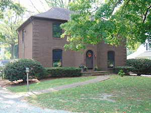 3902 Glen Oak Dr Louisville, KY 40218