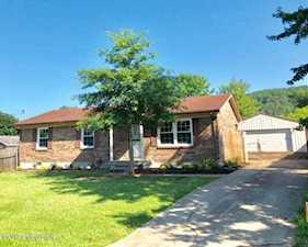 134 South St Shepherdsville, KY 40165