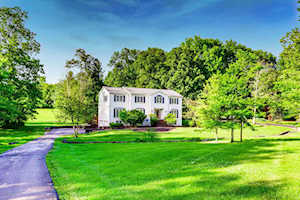143 Rosswoods Dr Pewee Valley, KY 40056